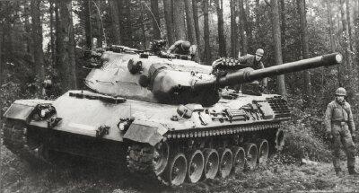 [Obrazek: leopard-1-main-battle-tank-1.jpg]