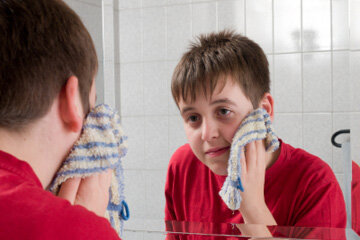 Is a washcloth a bad idea for cleansing your face? | HowStuffWorks