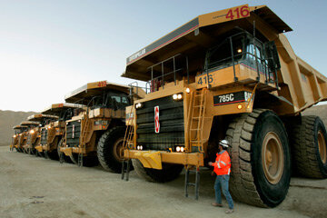 What Is The Biggest Truck In The World Howstuffworks