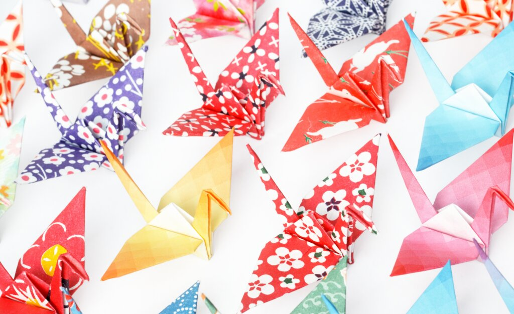 Origami 365: Includes 365 Sheets of Origami Paper for A Year of ... | 626x1024