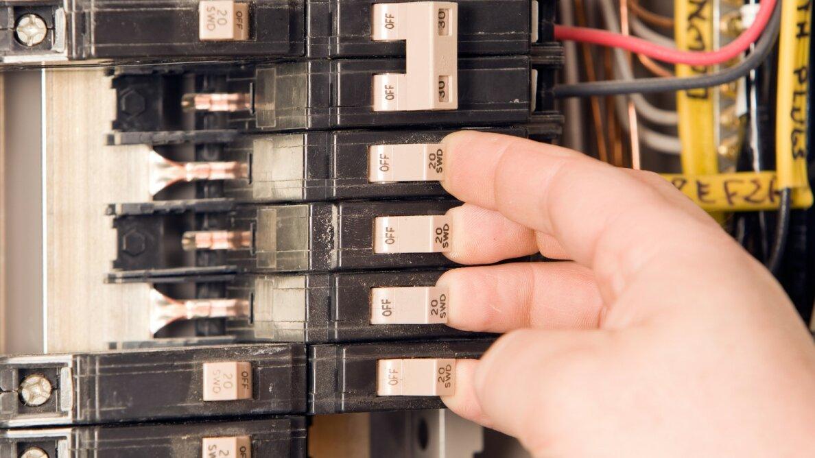 circuit breaker electricity