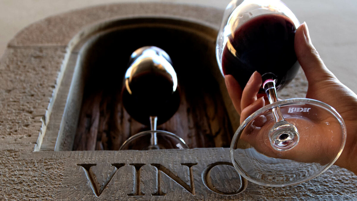 Tuscan Wine Windows: Charming Remnants of Ancient Social Distancing