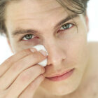 Can hemorrhoid cream reduce under-eye puffiness?