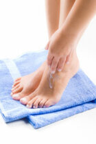 How to Moisturize Your Feet