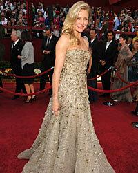 Cameron Diaz glitters in Oscar de la Renta at the 2010 Oscars.