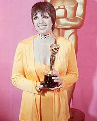 Liza Minnelli hand-picks Halston for the 1972 Oscars.
