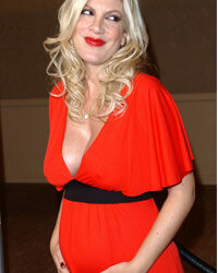 Will Tori Spelling pass on the entertainment  genes to her offspring?