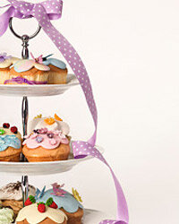 The yummiest cake with creamiest frosting won't get noticed unless it's displayed nicely.