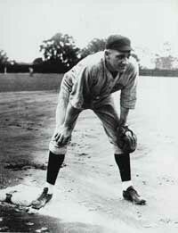 George Kelly was key to the Giants leading the National League in runs scored during the 1924 baseball season.