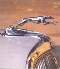 The greyhound hood ornament adds to the car's appeal.