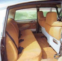 The 1970 DS21 Pallas had a roomy interior with luxurious beige cloth.