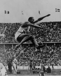 Whoa. We're beginning to understand how Owens managed to leap 26 feet! This is from the 1936 long jump finals. At this point, Hitler was getting pretty peeved.