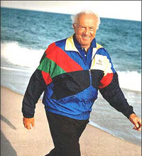 Dr. Atkins walking on the beach on Long Island - The Atkins plan encourages integrating physical activity into your daily routine.