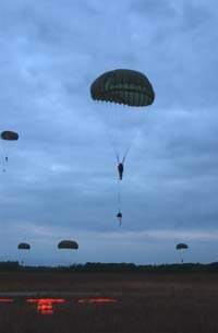 Early BASE jumpers used round parachutes, which cannot be controlled as well as rectangular ram-air parachutes.