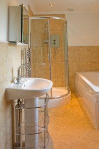Even a pedestal sink can be used for storage with these wire shelves.