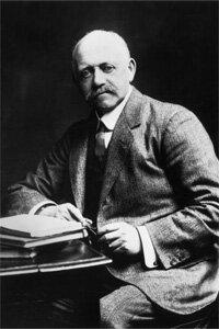 The English champion of tweaking time, William Willett
