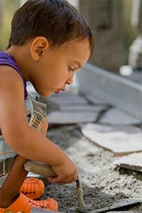 Kids under 1 eat about 60 milligrams of dirt a day; from ages 1-20, they eat 100 milligrams.
