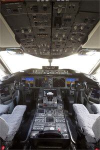 The flight deck of a Boeing 787 Dreamliner