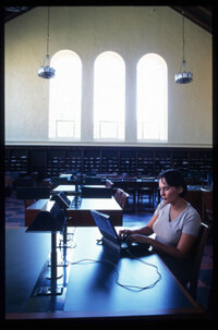 Certain universities, such as UCLA, make it easy for students to take online courses even while on campus.