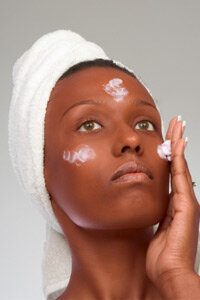 People with dark complexions should maintain a simple skin care regimen to avoid irritation.