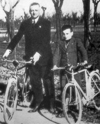 Enzo Ferrari and son Dino in 1940.