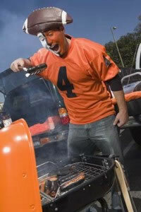 Check out these tips for fun and safe tailgating.