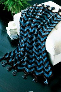This great throw makes for hours of fun knitting followed by comfy, cozy warmth.