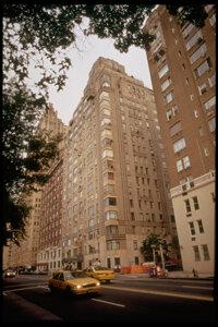 """住房合作社起源于纽约市,现在为美国150多万人提供住房。查看更多房地产图片。""""border="""