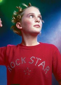 Any star will rock this T-shirt.