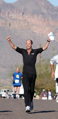 Jeff Galloway runs the Lost Dutchman Marathon