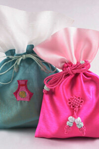 Fabric scraps can be used to make creative bags.