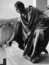 "Marlon Brando as Mark Antony speaks to the Roman crowds during the funeral scene in ""Julius Caesar"" (1953)."