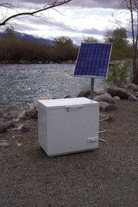 The SunDanzer solar refrigerator