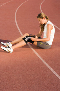Some minor running injuries are treatable, but pay attention to pain and know when to see a doctor.