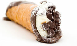 Does this chocolate chip cannoli make your mouth water?