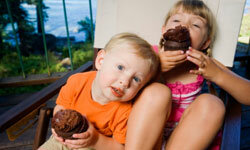 Your kids will love grilled cupcakes.