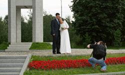 Ask your photographer to capture unique characteristics of your wedding location in your wedding album.