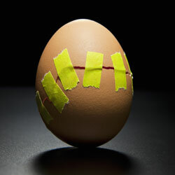 Lemon juice can keep your hardboiled eggs from cracking.