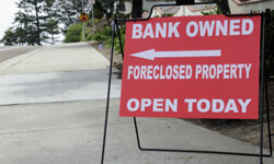 People posing as home foreclosure experts prey on people's fears to defraud them.