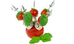 Tomatoes can be used to make all kinds of pretty garnishes. See pictures of international tomato dishes.
