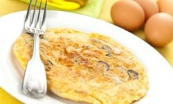 Omelets are a fun meal that caters to your budget.