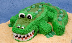 With a couple of carved layers and a heavy dose of frosting, you can make a crocodile cake -- without tears.