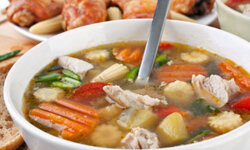 Bounty soup is filled to the brim with chicken and vegetables.