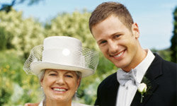 The first woman the groom fell in love with -- his mom.