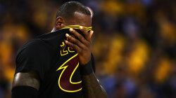 Late-night Tweeting Can Hurt NBA Players' Performance, Study Shows