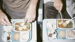 Mile Bleh Club: Why Airline Food Doesn't Taste Good
