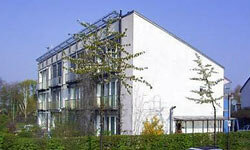 Green Living Image Gallery Darmstadt Kranichstein, built in 1991, is the first passive house building and has been subject of extensive measurements. See more green living pictures.