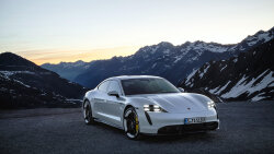 Porsche Joins Electric Vehicle Race With 2020 Taycan