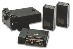 The BEL 975R Vector Remote radar detector: Speeders can reprogram this detector's sensitivity to match changing police technology.