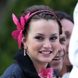 "Leighton Meester wears a pretty hairband on the set of ""Gossip Girls."""